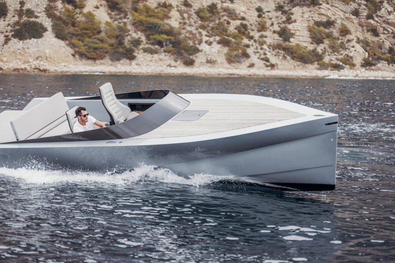 La embarcación eléctrica más rápida y ligera para superyates