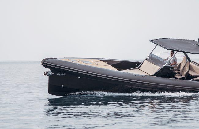 An impressive funday boat: SAY 45 RIB 5